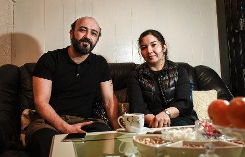 Fatima Jaghori og Hussein Mahmoudi takker alle som støtter dem i ranasamfunnet. Nå har de bestemt seg for å gå til retten for å få omgjort UNEs vedtak om å sende Hussein ut av landet.