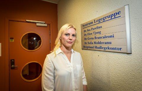 - Vi vil ikke at våre pasienter skal få alvorlige bivirkninger etter et besøk hos oss. Derfor setter vi ikke Janssen-vaksinen til dem som ønsker den, sier daglig leder og fastlege Ina Hvidsten Parelius ved Sentrum Legegruppe.