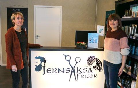 Lena Flatås (45) og datteren Iselin Kristiansen (24) har fått god respons etter åpningen av salongen Jernsaksa.