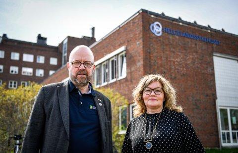 Ordfører Geir Waage og varaordfører Anita Sollie reagerer nok en gang på Helse Nords behandling av Nye Helgelandssykehuset.