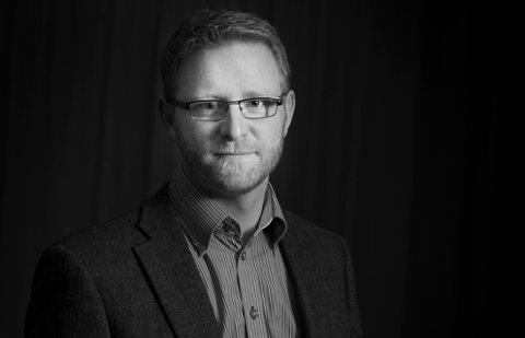 REDAKTØR: Bjørn Harald Blaker mener en lokalavis skal formidle hva som skjer, og bestrebe seg på å forklare hvorfor.