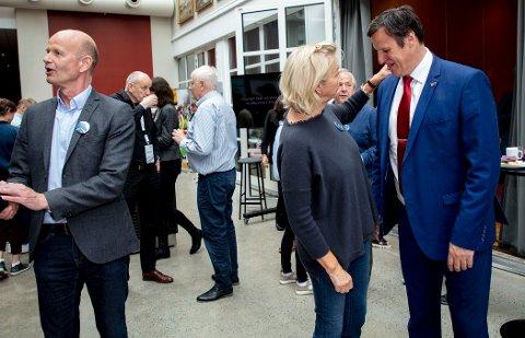 Presidentkantene i Norges Idrettsforbund Sven Mollekleiv (fra venstre), Berit Kjøll og sittende president Tom Tvedt vil få en mulig OL-søknad å arbeide med.