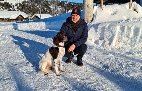 ENDRET ADFERD: Steinar Aamodts ti år gamle hund Enzo hadde en tydelig adferdsending i dagene før kvikkleireskredet i Gjerdrum.