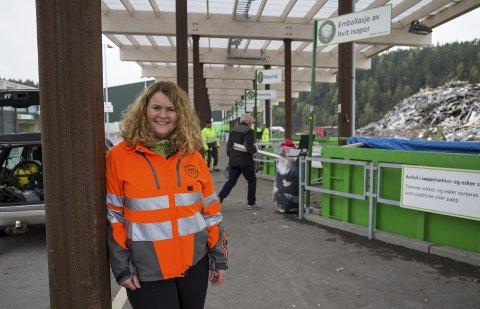 GLAD: Marianne Holen i RfD er glad for at flere bruker gjenvinningsstasjonen på Follestad.Foto: B Elmung