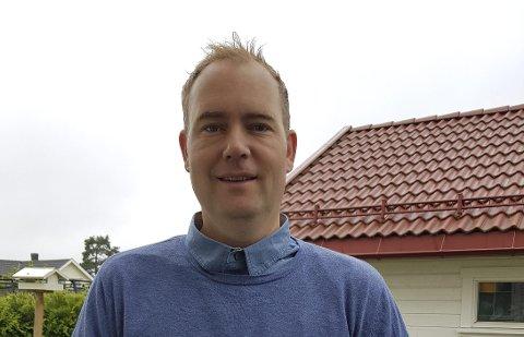 I gang: Christian Svebakk-Johansen er i gang i sin nye stilling ved landbrukskontoret i Sande. Foto: Privat