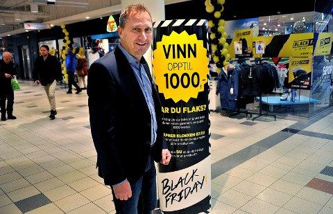 STØRST Senterleder Jørgen Næs kan fornøyd konstatere at Amfi Borg nå er det største senteret i Sarpsborg. I 2017 bendte omsetningstallene på 718 millioner kroner.
