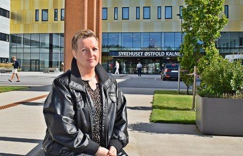 VIL BIDRA: Anne Marie Johansen har startet kronerulling, og ønsker å gi hele summen til barneavdelingen på Sykehuset Kalnes slik at det kan kjøpes inn flere spill og leker.