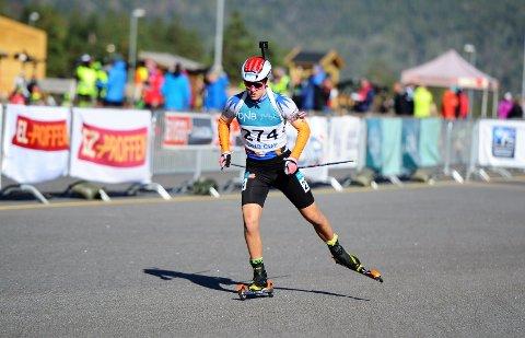 Fortsetter: Jonas Tyldum fortsetter skiskyttersatsingen og fra nå av blir Agle-gutten sin egen trener selv om han fortsatt bare er 18 år gammel.