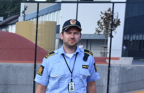 FØLGER MED: Jostein Flatebø forteller at meldinger om villmannskjøring stadig tikker inn hos politiet.