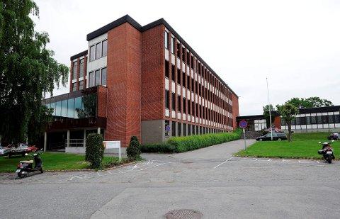 SOLGT: Skolebygget på Prestejordet ble solgt for 35 millioner kr etter vedtak i fylkesutvalget onsdag.