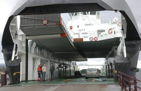 MF «Svanøy»  er inne til vedlikehold, det fører til redusert kapasitet på C-ruta.