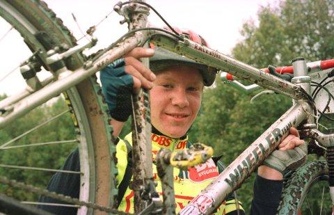 TERRENG: Som ung syklist var det terrengsykling som fenget Lars Petter Nordhaug mest. Her som 14-åring.