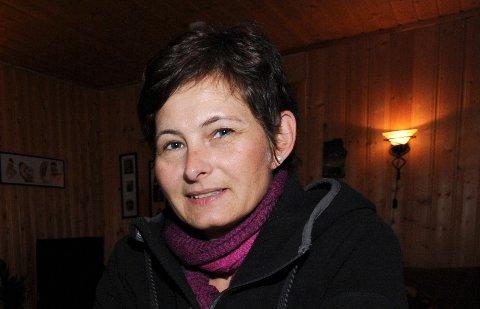 FORNØYDNABO:Ellen Moen har vært nær nabo til Nygård barnehage i fire år og forteller til Varingen at hun lever svært godt med det lille som har vært av leven.