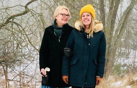 Liv Klungsøyr (t.v.) og niesen Nina Klungsøyr og to andre nesoddkvinner går i bresjen for et folkemøte om Bergerskogen.