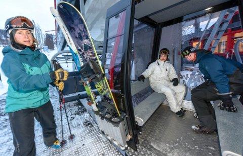 Smittevernoverlegen i Västerbotten advarer folk som ønsker å benytte alpinanleggene i Hemavan og Tärnaby i vinter.