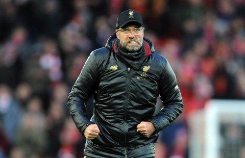 Liverpool-manager Jürgen Klopp må muligens belage seg på litt neglebiting i kveld. Det kan bli en jevn kamp på Anfield mot formsterke Watford.  (AP Photo/Rui Vieira)