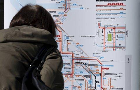 I mai startet det nye bussystemet i Bergen. Nå er høstrutene kommet, men hvor er rutetabellene? (Arkivfoto)