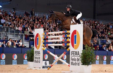 GODE RESULTATER: Johan Sebastian Gulliksen i aksjon under Madrid Horse Week sist helg.