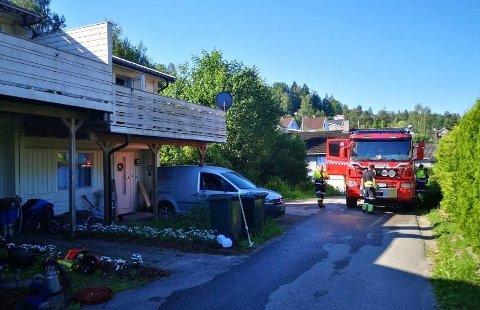 BRANN: Det begynte å brenne på et kjøkken i et rekkehus i Slemmestad lørdag morgen.