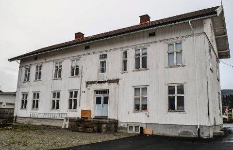 FÅR STØTTE: Stiftelsen Tingstua i Hokksund får fire millioner kroner i 2020 til å sette i stand, ta vare på og utvikle Tingstua