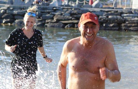 SISTE INNSPURT: Grendelagsleiar Anders Ole Sunnarvik tar ein David Hasselhoff inn mot stranda der Eikefjorddagane skal arrangerast