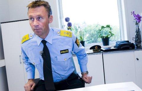 Blir sittende i sjefsstolen: Steven Hasseldal har vært toppleder i Østfold politidistrikt. Nå blir han én av totalt 12 politimestere i landet.