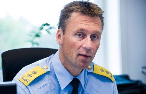 – Vi snakker om en så omfattende politioperasjon at det ville «snudd Fredrikstad på hodet» – kanskje over flere dager, skriver politimester Steven Hasseldal om vurderingen som fikk ham til å forby alle demonstrasjoner i Fredrikstad 29. juli.