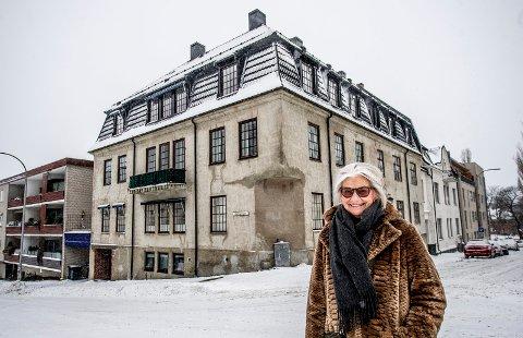 Hjemme: Elisabet Sætvedt har tilbrakt hele sitt voksne liv i bygården i Dronningens gate. Hun flyttet inn i andre etasje i 1961 og arvet hele bygningen tre år etter da faren døde.