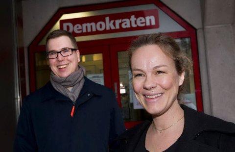 Henriette Ydse Krogstad er ansatt som ny redaktør i Demokraten og ble mandag morgen presentert for de ansatte i Fredrikstad av Eirik Hoff Lysholm, sjefredaktør og administrerende direktør i Dagsavisen.
