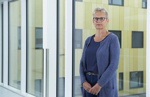 FLERE INNLAGTE: – Det er krevende med flere innlagte koronapasienter, men vi håndterer det greit, sier prosessdirektør ved sykehuset, Liv Marit Sundstøl.