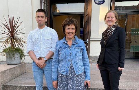 Dag Werner Larsen, Linda Lavik (leder) og Tiril Bringsrud Svensen utgjør den nye ledertrioen i sykepleierforbundet i Viken.