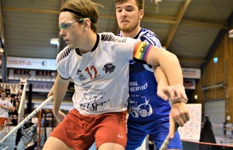 ADIOS: Samuel Hellstrøm (hvit drakt) forlater Fredrikstad IBK til fordel for studier og videre spill i Tigerstaden.