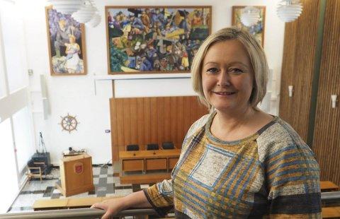 Vil finne løsning: Mona Nilsen (A) er innstilt på å finne en løsning for bassenget i Bjerkvik. – Bassenget i Bjerkvik er viktig for Arbeiderpartiet, sier hun til Fremover. Foto: Terje Næsje