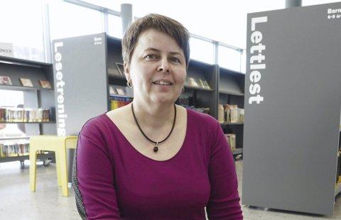 Fornøyd: Biblioteksjef Tonje Farset ved Narvik bibliotek er fornøyd med responsen på den første Barnivalen.