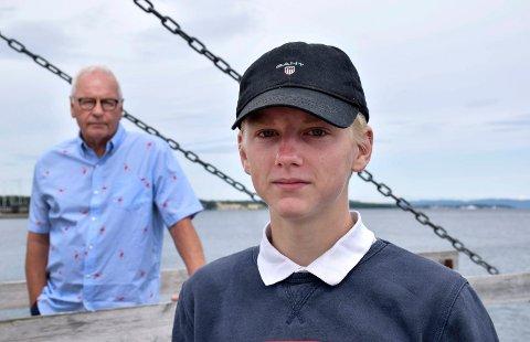 HELTEN: Aage Blach Ellefsen vil gi Dennis Johansen honnør for sin kvikke opptreden under redningsaksjonen i Åsgårdstrand 16. juli.