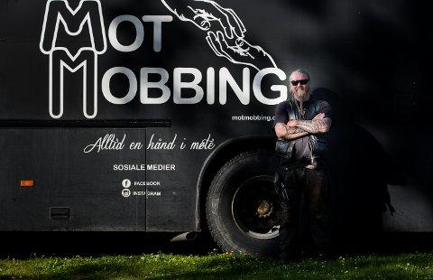 Ole Sørensen fra Viking MC bruker sommerferien sin på å støtte opp om turneen. Han kommer fra samme bygd som Kristian og Ada jobber i, og ble inspirert av arbeidet de utfører.