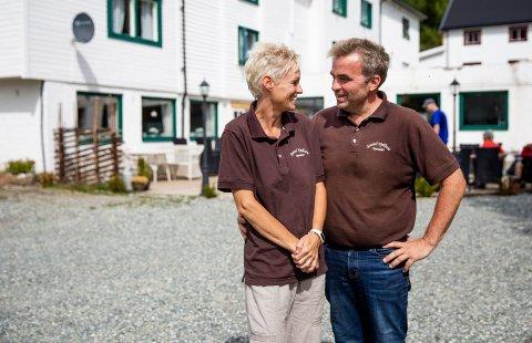 Arkivbilde: Kari Anne og Tom Sukkestad har investert nesten tre millioner kroner i oppgradering av Strand fjellstue i Espedalen siden oppkjøpet i 2016. Nå frykter de at Fylkesvegen opp til fjellstua skal bli stengt.