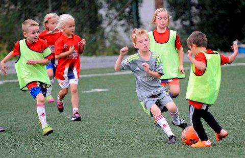 LURT; Arve Sigmundstad mener barn, foreldre og frivillige i Berg IL og Kvik Halden FK har grunn til å føle seg lurt i dette leserbrevet. (Illustrasjonsfoto)