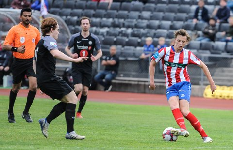 VANT: Peder Nomell scoret begge målene da Kvik Halden 2 vant en sterk seier mot Østsiden i Fredrikstad.