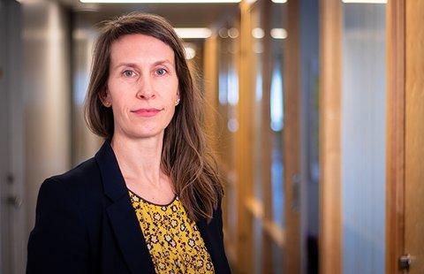 Kommuneoverlege Sofie Lund Danielsen fortviler over at personer som er rammet av smitteutbruddet i et muslimsk miljø i Nedre Glomma vegrer seg for å fortelle hvem de har hatt nærkontakt med. Nå oppfordrer hun alle om å bidra i smittesporingsarbeidet.