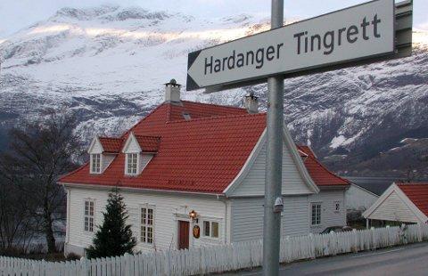 For Hardanger tingrett er det foreslått en deling av rettskretsen, slik at kommunene Kvam, Ulvik og Eidfjord blir en del av rettskretsen til Hordalandtingrett, mens Ullensvang kommune blir en del av rettskretsen til Haugaland og Sunnhordland tingrett.
