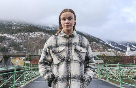 Feminist: Emilie Ribesen Skjærvold er leiar i Raud Ungdom Ullensvang og feminist. foto: synnøve nyheim
