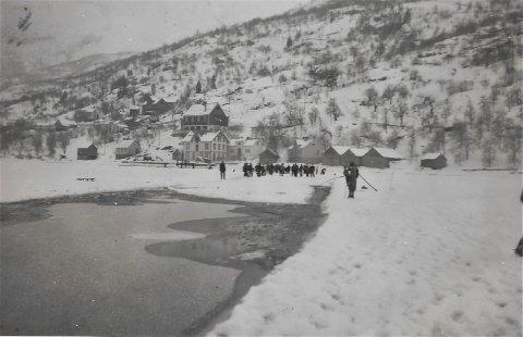 Nå: Skjæring av is. Biletet er lånt av Karl Ludvik Åkre. Foto: Odd Åkre