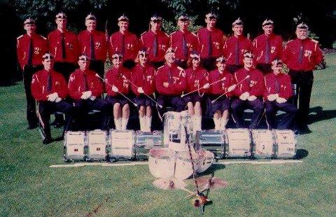 TROMMEKORPSET: Haugaland Trommekorps holdet på i fem år til 1993. Bildet er fra storhetstiden, og nå vil Sigve Sandvik ha korpset opp å gå igjen.