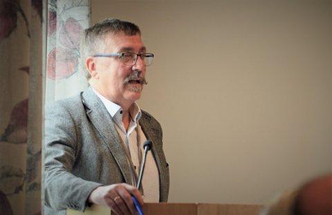 Økonomisjef i Alstahaug, Frank Pedersen er glad for de nye endringene i pensjonsreglene, og som gjør at kommunen nå får tilbakebetalt allerede innbetalte pensjonskostnader.