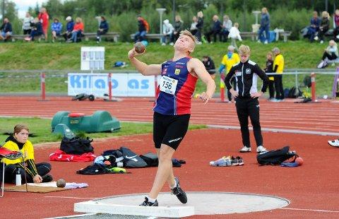 BRONSE: Henrik From Vesterlid (16) fra Hattfjelldal følte han ble frarøvet gullet under junior-NM i friidrett på Askøy. Han hadde det lengste kastet, men det ble dømt dødt.