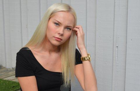 MANGE TANKER: To år har gått etter at Synne Mathisen Ratikainen havnet midt i en skyteepisode i Miami. Nå vil hun fortelle om hendelsen.