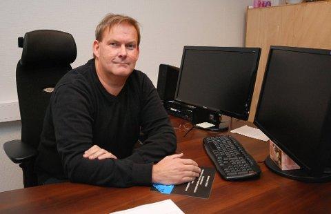 FORNØYD: Kommunedirektør Harald Larsen sier at det er relevante kandidater på søkerlisten til sjefsjobben.