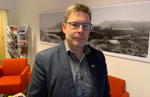 ORDFØRER I MÅSØY: Bernth R. Sjursen.