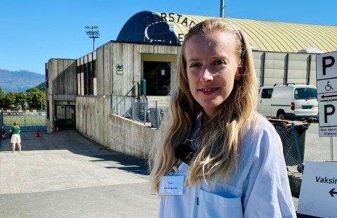 Fungerende vaksinekoordinator Trude Samuelsen i Harstad kommune sier at det er vanskelig å bytte time til tidligere dato uten veldig god grunn.